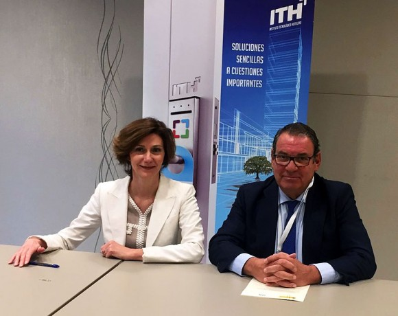 The Secretary of State for Tourism, Isabel Oliver, and Juan Molas, President of ITH and CEHAT, sign the agreement for the ITH model of sustainability Read more http://www.lanzarotesustainable.com/last-news/