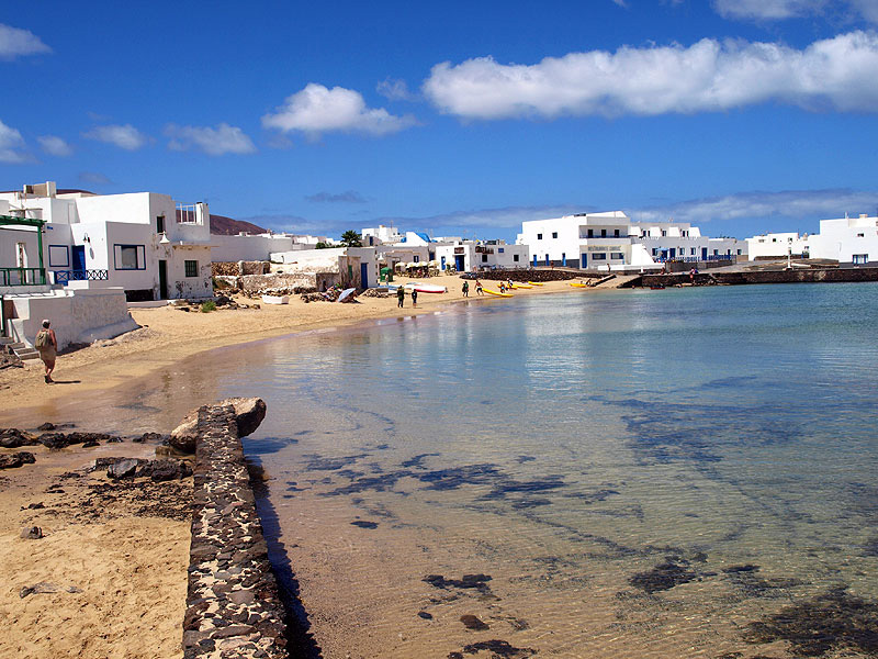 "The Senate recognizes La Graciosa as ""eighth inhabited Canary Island"""