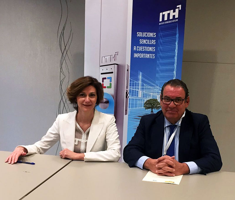 The Secretary of State for Tourism, Isabel Oliver, and Juan Molas, President of ITH and CEHAT, sign the agreement for the ITH model of sustainability Read more https://www.lanzarotesustainable.com/last-news/