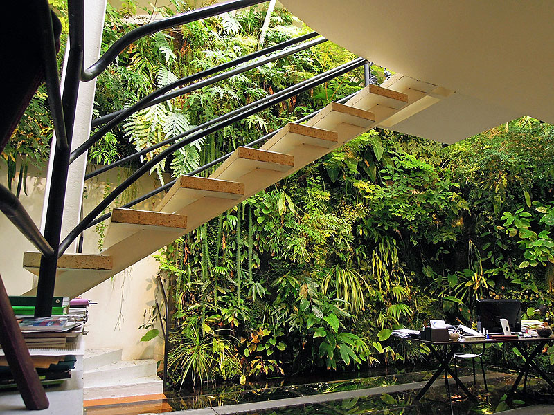 Vertical gardens and other 'hits' in hotel sustainability